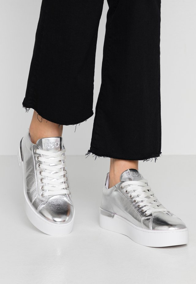 SILVIA  - Sneakers - silver