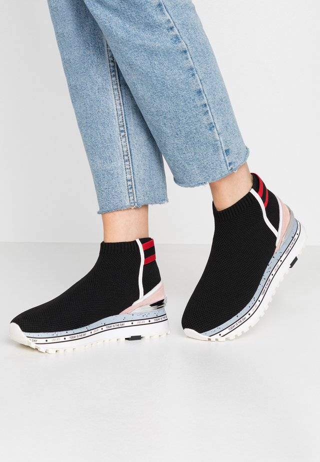 MAXI - High-top trainers - black