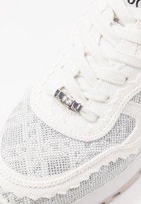 Liu Jo Jeans - Zapatillas - white - 2