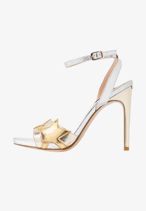 CLAIRE - Højhælede sandaletter / Højhælede sandaler - light gold/silver