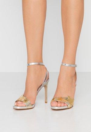 CLAIRE - Sandalias de tacón - light gold/silver