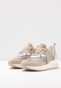 Liu Jo Jeans - KARLIE - Sneakers laag - camel - 4