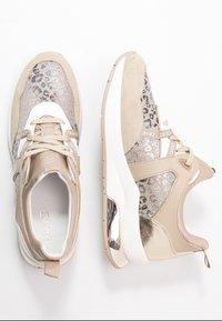 Liu Jo Jeans - KARLIE - Sneakers laag - camel - 3