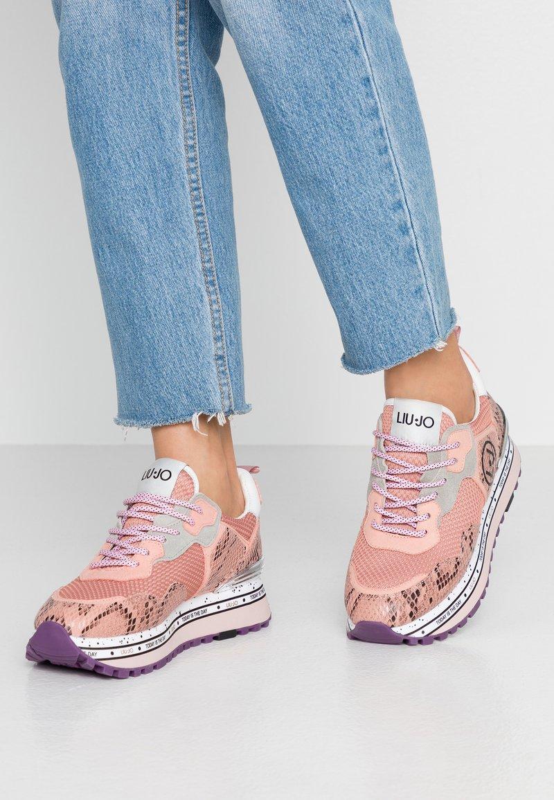 Liu Jo Jeans - MAXI - Sneakersy niskie - ligh pink