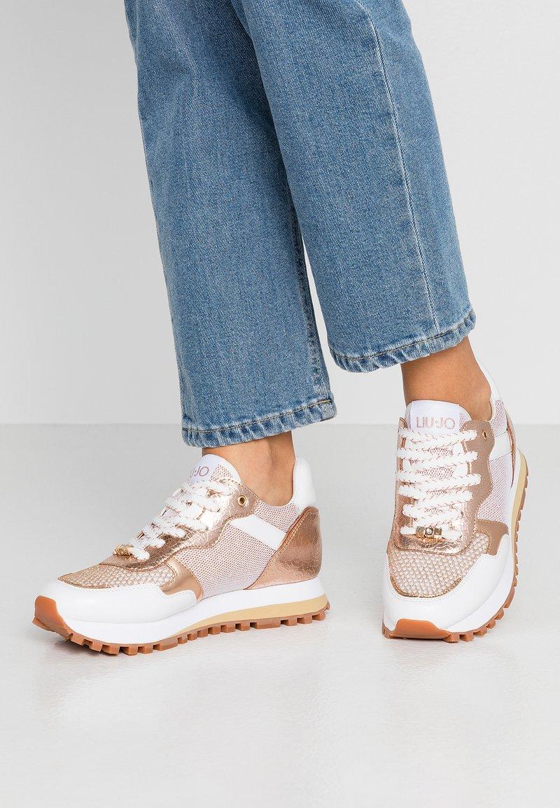 Liu Jo Jeans - Sneakersy niskie - white