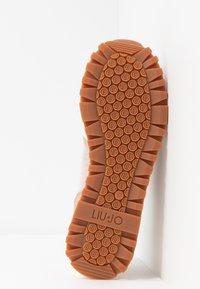 Liu Jo Jeans - Sneakersy niskie - white - 6