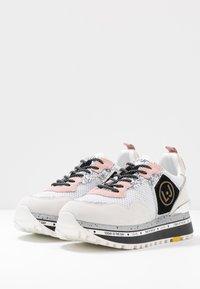Liu Jo Jeans - MAXI - Sneakersy niskie - white - 4