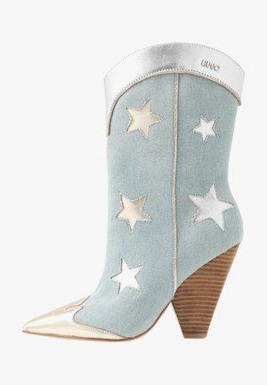 GUENDA - Boots med høye hæler - denim