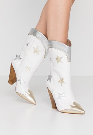 GUENDA  - High heeled boots - white