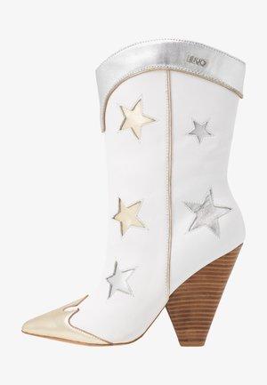 GUENDA  - Boots med høye hæler - white