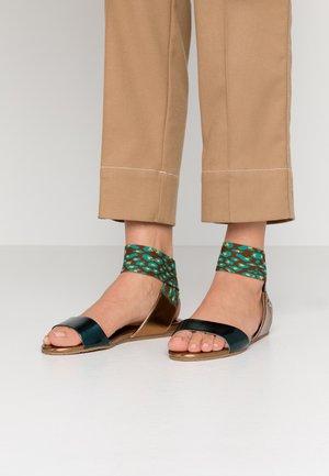 BECKY - Sandales - green