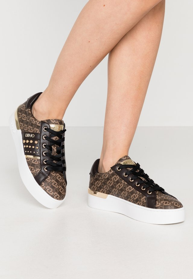 SILVIA - Trainers - brown