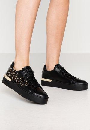 SILVIA  - Zapatillas - black