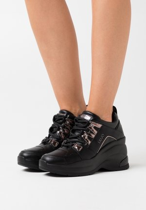 KARLIE REVOLUTION - Zapatillas - black