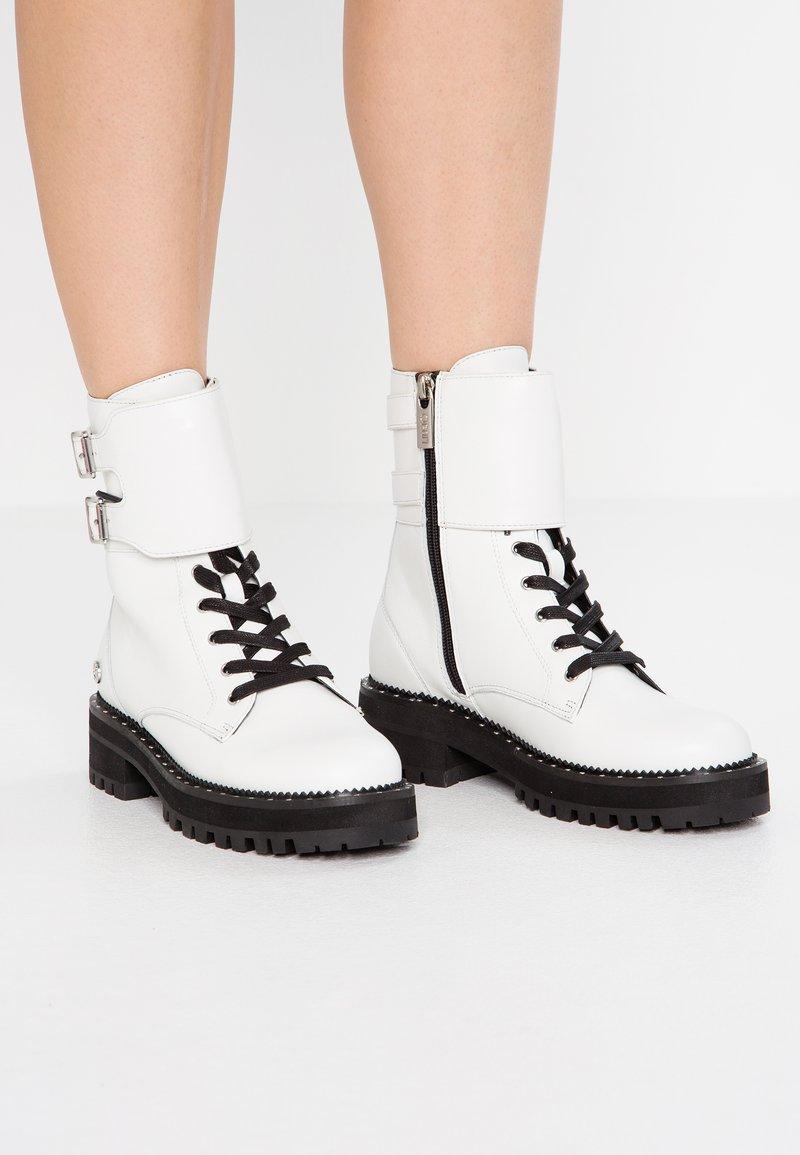 Liu Jo Jeans - Cowboy/biker ankle boot - white