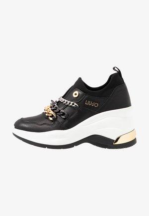 KARLIE REVOLUTION - Nazouvací boty - black