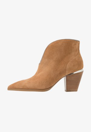 JADE - Ankle Boot - tan