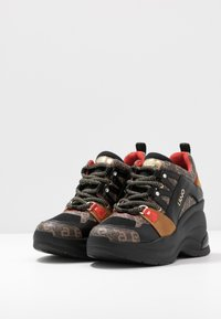 Liu Jo Jeans - KARLIE REVOLUTION  - Zapatillas - black/burgundy - 4