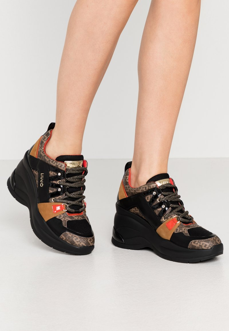 Liu Jo Jeans - KARLIE REVOLUTION  - Zapatillas - black/burgundy