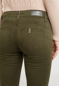 Liu Jo Jeans - MONROE - Pantalon classique - khaki - 4