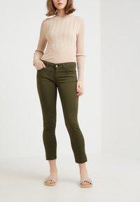 Liu Jo Jeans - MONROE - Pantalon classique - khaki - 0