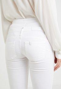 Liu Jo Jeans - RAMPY - Bukser - bianco ottico - 4