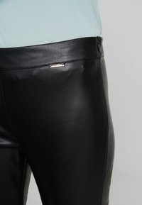 Liu Jo Jeans - PANT SPALMATO - Kalhoty - nero - 4