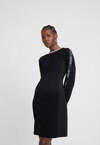 Liu Jo Jeans - ABITO FELPA - Vestito di maglina - nero - 0