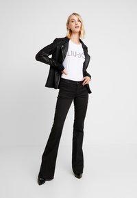 Liu Jo Jeans - MODA - T-shirt con stampa - white - 1