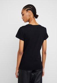 Liu Jo Jeans - MODA - T-shirts med print - nero/gold - 2