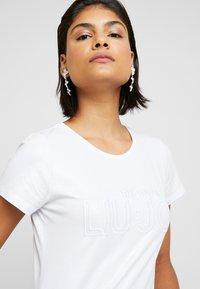 Liu Jo Jeans - T-shirts med print - bianco ottico - 3