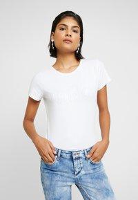 Liu Jo Jeans - T-shirts med print - bianco ottico - 0