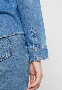 Liu Jo Jeans - ECS CAMICIA ROUCHES - Camisa - blue denim - 5
