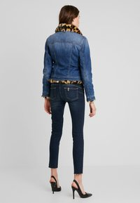 Liu Jo Jeans - GIUBBINO RIDER - Jeansjacke - denim blue - 2