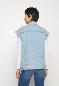 Liu Jo Jeans - GILET PATCH - Smanicato - blue istant wash - 2