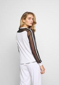 Liu Jo Jeans - MAGLIA CHIUSA - Sweter - white/black - 2