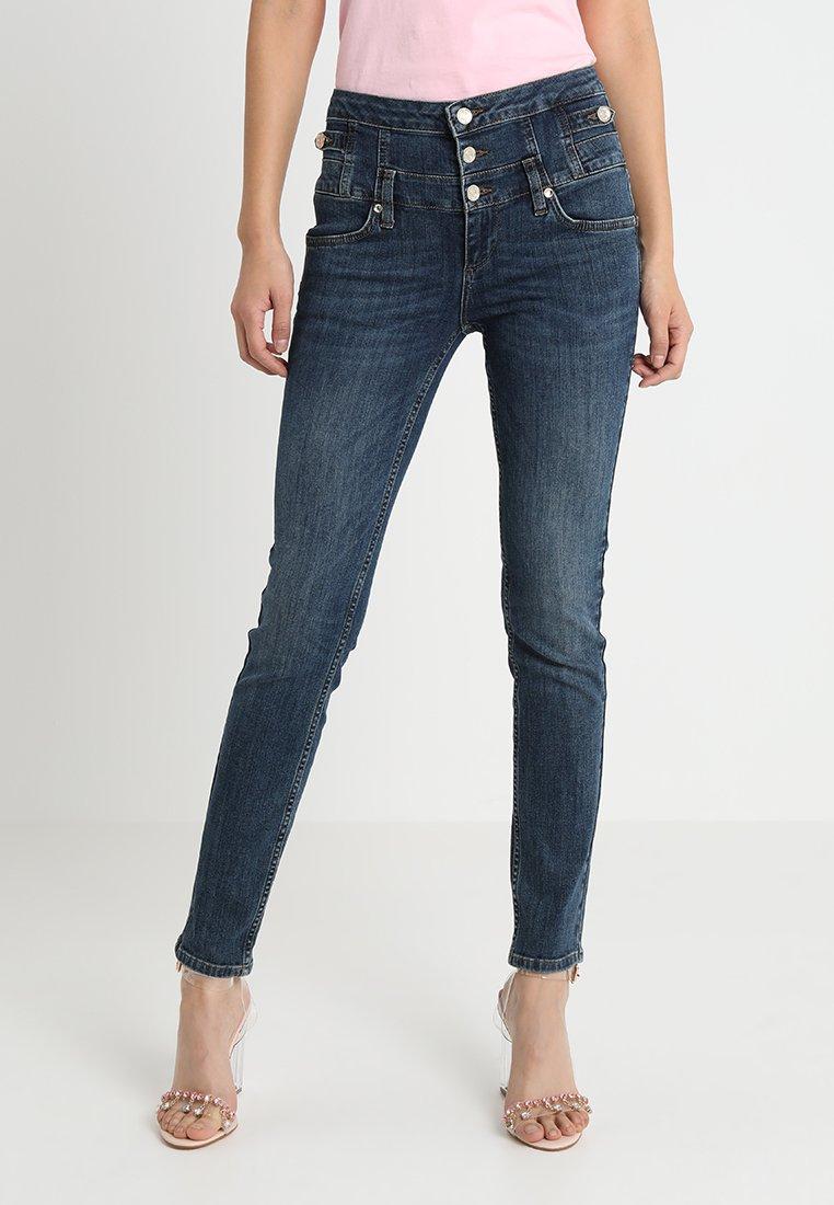 Liu Jo Jeans - RAMPY HIGH WAIST - Jeans Slim Fit - blue event wash