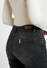 Liu Jo Jeans - DIVINE - Jeans Skinny - denim grey - 5