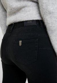 Liu Jo Jeans - DIVINE - Skinny džíny - black lofty wash - 6