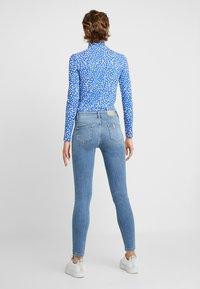 Liu Jo Jeans - DIVINE - Vaqueros pitillo - blue crux wash - 2
