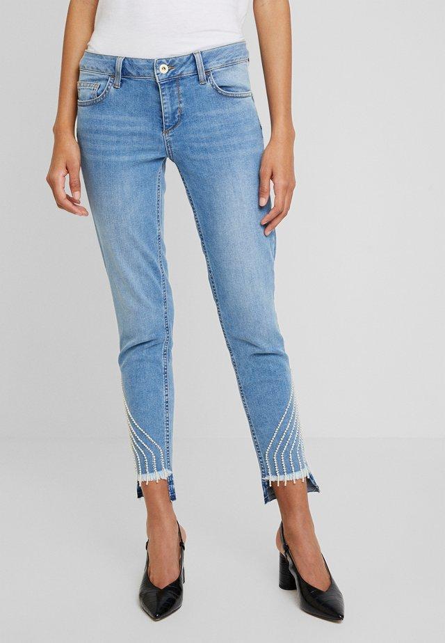 UP FREE PRETTY - Jeans Slim Fit - blue