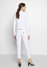 Liu Jo Jeans - NEW IDEAL - Jeans Skinny Fit - bianco ottico - 2