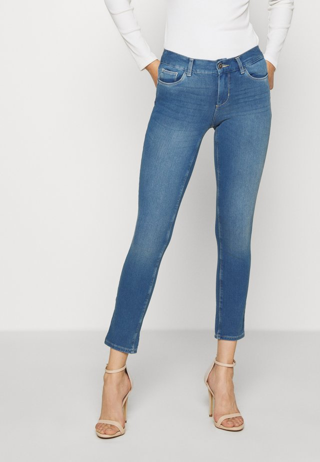 MONROE - Skinny-Farkut - denim blue nicer wash