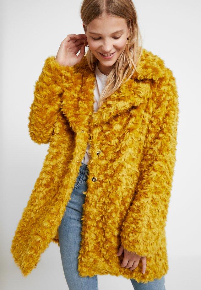 GIACCONE  - Wintermantel - light yellow