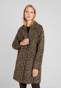 Liu Jo Jeans - CAPPOTTO WIDE - Classic coat - sweet caramel - 0