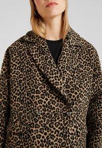 Liu Jo Jeans - CAPPOTTO WIDE - Classic coat - sweet caramel - 5
