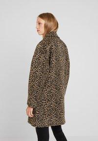 Liu Jo Jeans - CAPPOTTO WIDE - Classic coat - sweet caramel - 2