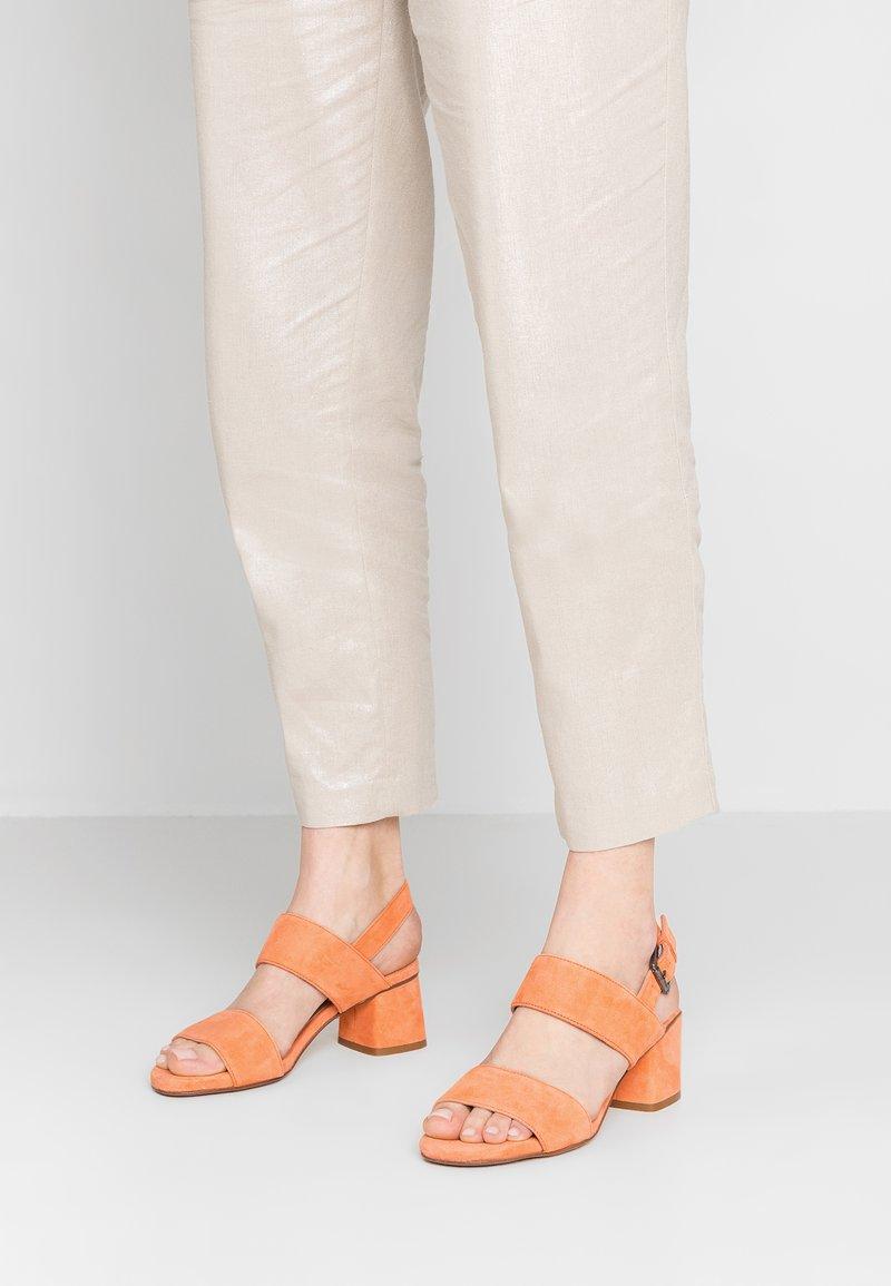 Lamica - ANDIA - Sandaalit nilkkaremmillä - orange