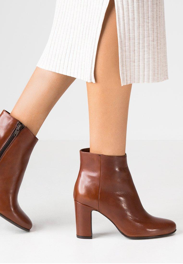 Lamica - MARA - Classic ankle boots - macciato/whiskey