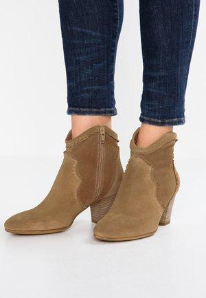 LAP - Cowboy/biker ankle boot - avola